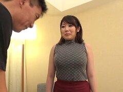 Kirishima Sakura tiene pechos irresistibles que haz frotados - Kirishima Sakura