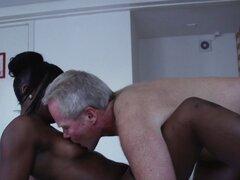 Pagar prostituta consigue oral. Pago negra prostituta holandesa recibe sexo oral y el coño dedos