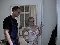 MAGMA cine alemán Busty golpeó en la ducha, porno alemán está mejorando día a día. Principal razón es que las chicas alemanas son calientes como mierda! Esta chica busty caliente toma una grande en la ducha y puede