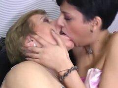 Melanie es una lesbiana muy viejo, pero eso no significa que su coño es