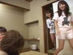 Chicas japonesas muestran Azusa,
