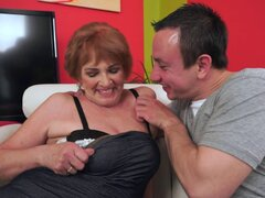 Fat old lady with a desire for his dick in her wet pussy - Sally G., Rob