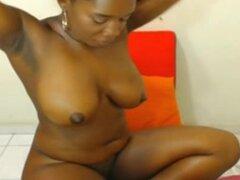 Chica negra con culo grande y negro