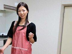 Chica asiática sexy muff peluda recibiendo paliza real bueno