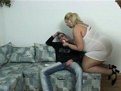 Chica gorda enfermeros un chico y su amigo Real bien
