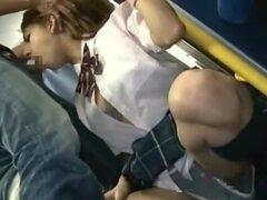 Blanco Coed chupa Oriental 10 libras en público!, fascinante americano colegiala recibe su agujero de la cara invadida por la polla de un total extraño en un atestado vagón del metro de Tokio educar!