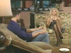 Película porno retro francés largo con coños peludos reales. Calientes damas vintage real duro conseguir golpeadas en sus calientes coños peludos por hombres con grandes pollas duras en esta larga película.