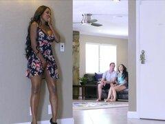 Stepmom Diamond Jackson chupar blanco con su hija