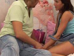Par coger teen y teen nuru masaje que Mónica obtiene un enorme facial