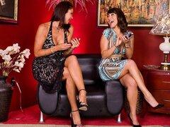 Ava Devine Vanessa Videl Alan Stafford en Hot Mom de My Friend, Vanessa Videl y Ava Devine encanta joven caliente dulce cum, por lo que cuando la mejor amiga hijo de Ava no tendrán un pago de dinero para el chóferles alrededor de la ciudad, ellos vienen c