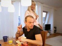 Desayuno con Tiffany de Milfsexdating red de usuario. Desayuno con Tiffany de red Milfsexdating de usuario