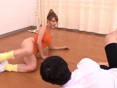 Pussyfucked chica fitness japonés facialized babe tetona gimnasio japonés de Pussyfucked facialized luego