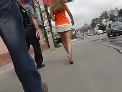 Teenie espiada hasta episodio spy enagua, delgado cuerpo adolescente es caminar en la calle. Entonces esa nena va por todo el parque. Seguido por mucha gente chica no se da cuenta que uno de los chicos tiene la cámara de voyeur espiando el cautivador para