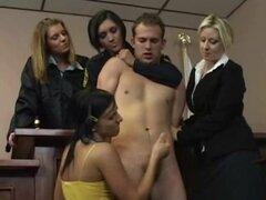 Cfnm chicas de sala se masturbó chico