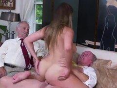 Anciano joven coño y la cara sentada y luego sigue con al proporcionar