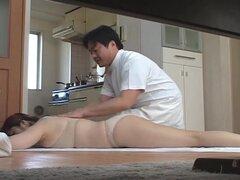 Lujuriosos esposas masaje japonés y luego perforados en casa tres - CM, todavía mayor cantidad a