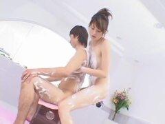 Erika Sato en el Super jabón, aquí un video de Erika Sato ha sido prohibido y tirado de los estantes de todas las tiendas videos adulto en Japón de. Que es causa la censura del mosaico es demasiado delgada. Pero de todos modos, este video es un video de j
