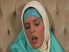 hotshame porn hijab arabe