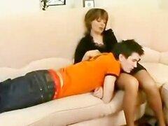 Tragan corridas rusas rusa madura madre hijo