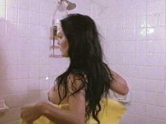 Celebridades desnudas Sasha Montenegro seduciendo a su amante que muestra tetas y coño