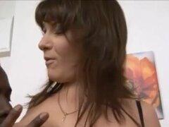 Madura follada 021. rijpe dame krijgt de dag van haar leven met een BBC
