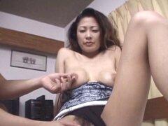 Pussytoying milf japonesa peludas y follando. Pussytoying milf japonesa peludas y follando en pov acción