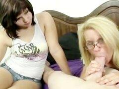 Madre adolescente mamada instruye
