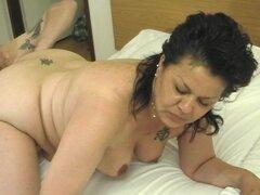 Soy maduro bimbo permite una viga colgada penetrar su arrebatamiento juciy - Nancy