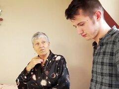 Savana anciana follada por estudiante Sam Bourne por AgedLove