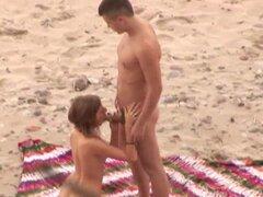 Sexo en la playa 4