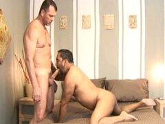 Daddy gay Latino sucio abajo desagradable audición bareback