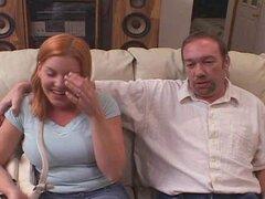 Joven esposa Candi Apple coño Acrobat