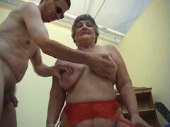 78 años de edad la abuela Libby 3some con dos tacos jovenes