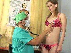 Doctor cachondo ofrece muy especial gyno cheques a las señoras