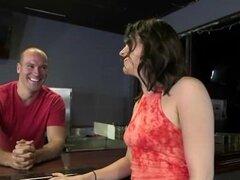 Reality Kings - Raven Redmond y Kylie Quinn comparten un dick por dinero en efectivo