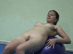 Madres maduras encantan ejercitar desnudo