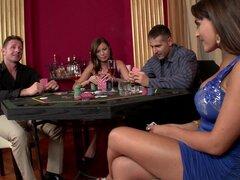 Cuarteto salvaje después de juego de poker