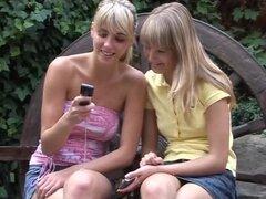 3D tetas grandes lesbianas dos lesbianas joven luz pelo novios