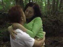 Japonesa madre y sobrino xlx, madre viaje con niño y tienen un asunto