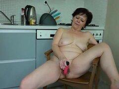 La abuela masturbarse peluda coño mojado