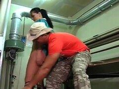Chica cubana caliente follada en la fábrica!