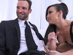 Jennifer White es un bombón desagradable que duerme con un hombre que no es suyo - Alex Legend, Jennifer White, Marcelo