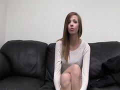 Casting porno de Taylor adolescente flaca