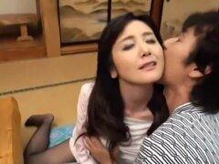 Increible puta japonesa Mai Tsuruta en fetiche cachondas, video de peludas JAV