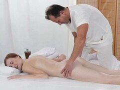 Salas - de masaje profundo e intenso de mierda