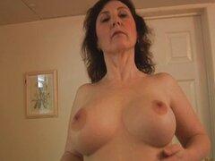 Tetas grandes maduro babe striptease