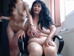 Amateur lesbianas caseras webcam - joven y viejo,