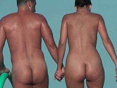 Nudista playa voyeur vid con dos hermosas morenas todo desnudos. Nudista playa voyeur vid con dos hermosas morenas todo desnudos