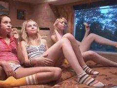 Chicas fantasias en especial autobus porno