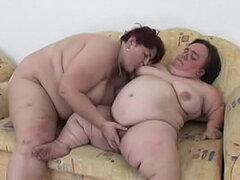 Enana lesbiana grasa y BBW tienen sexo